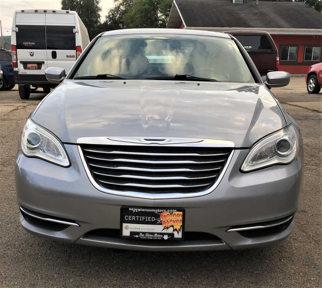 car drive chrysler review family headlight luxury at first of price