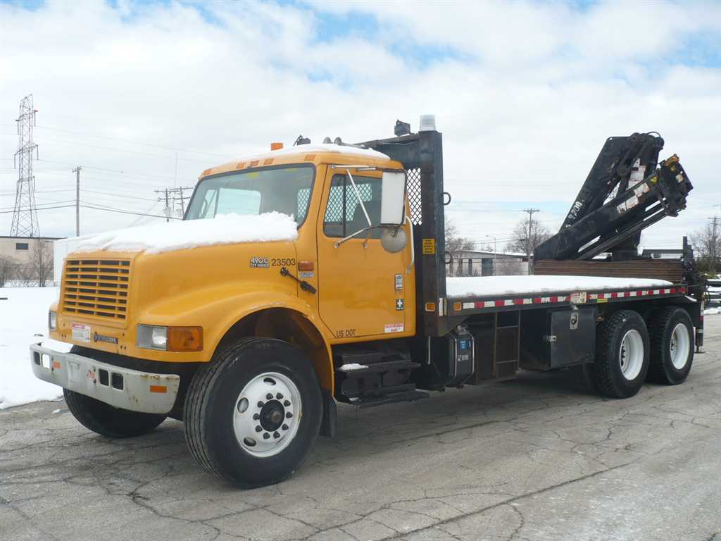 Pre-Owned 2002 International 4900