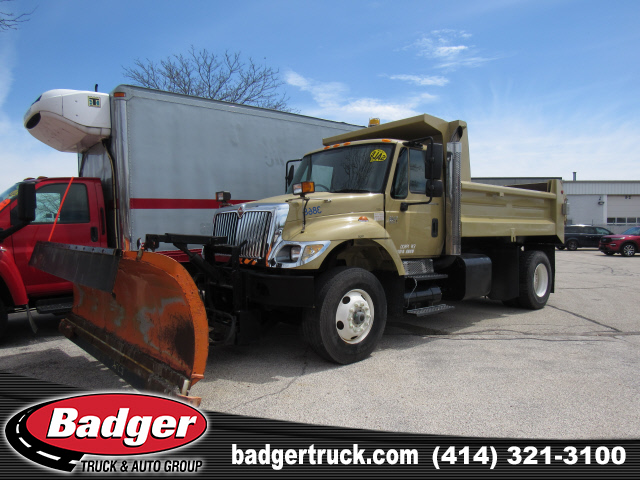 Pre-Owned 2006 International 7400