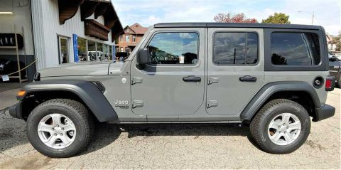 New 2018 Jeep Wrangler 4-Door 28S
