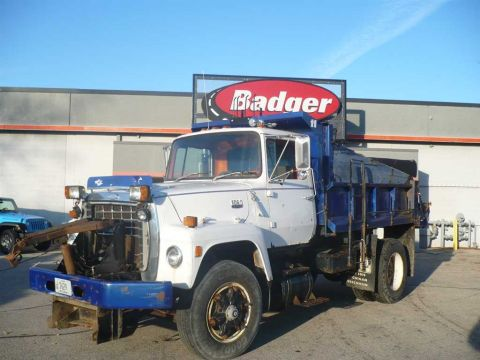 Pre-Owned 1986 Ford L8501